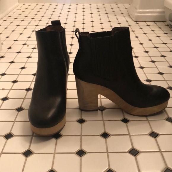 814ad35680dd Madewell Shoes - WORN ONCE Madewell Clog Boots